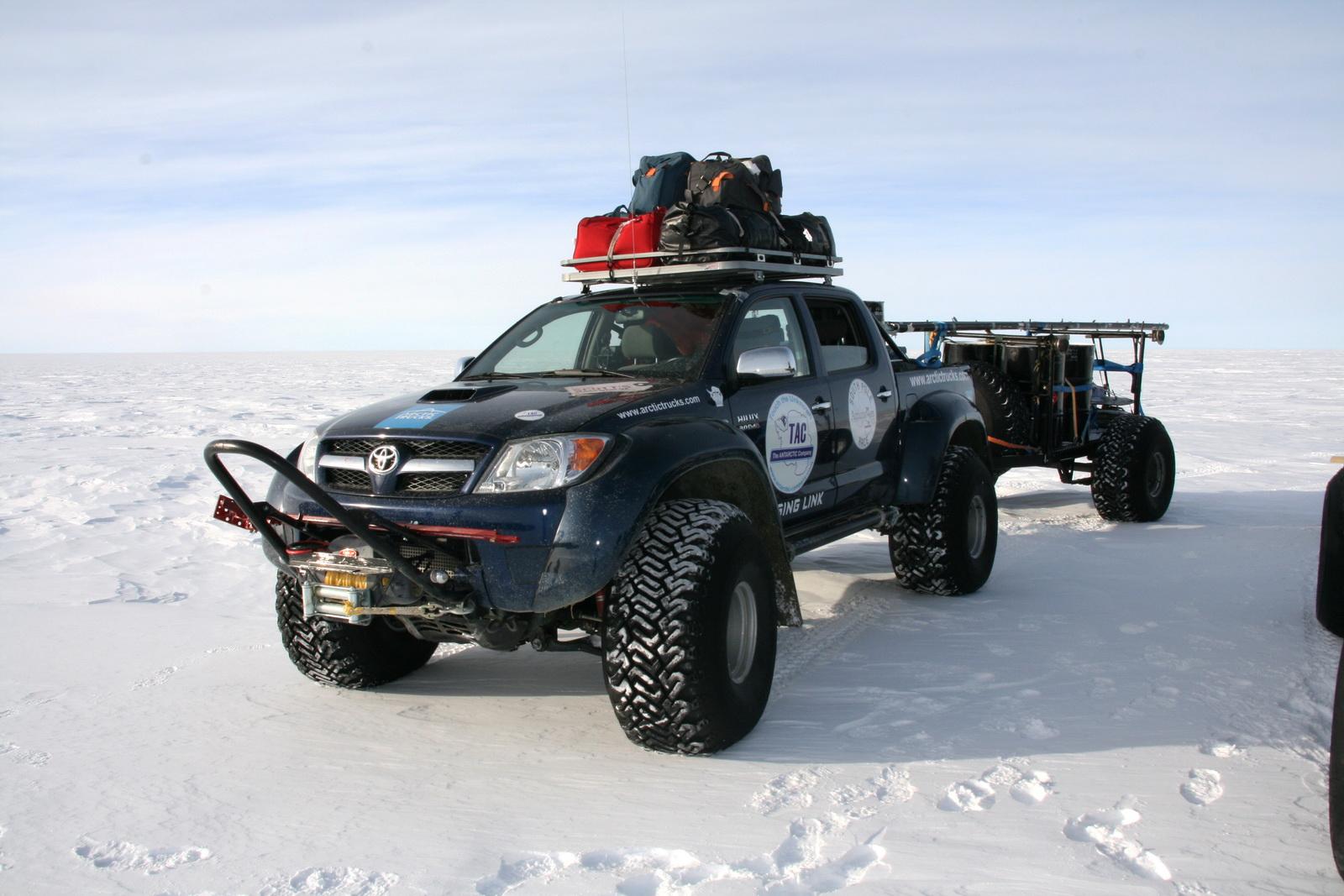 2010 Hilux South Pole 04