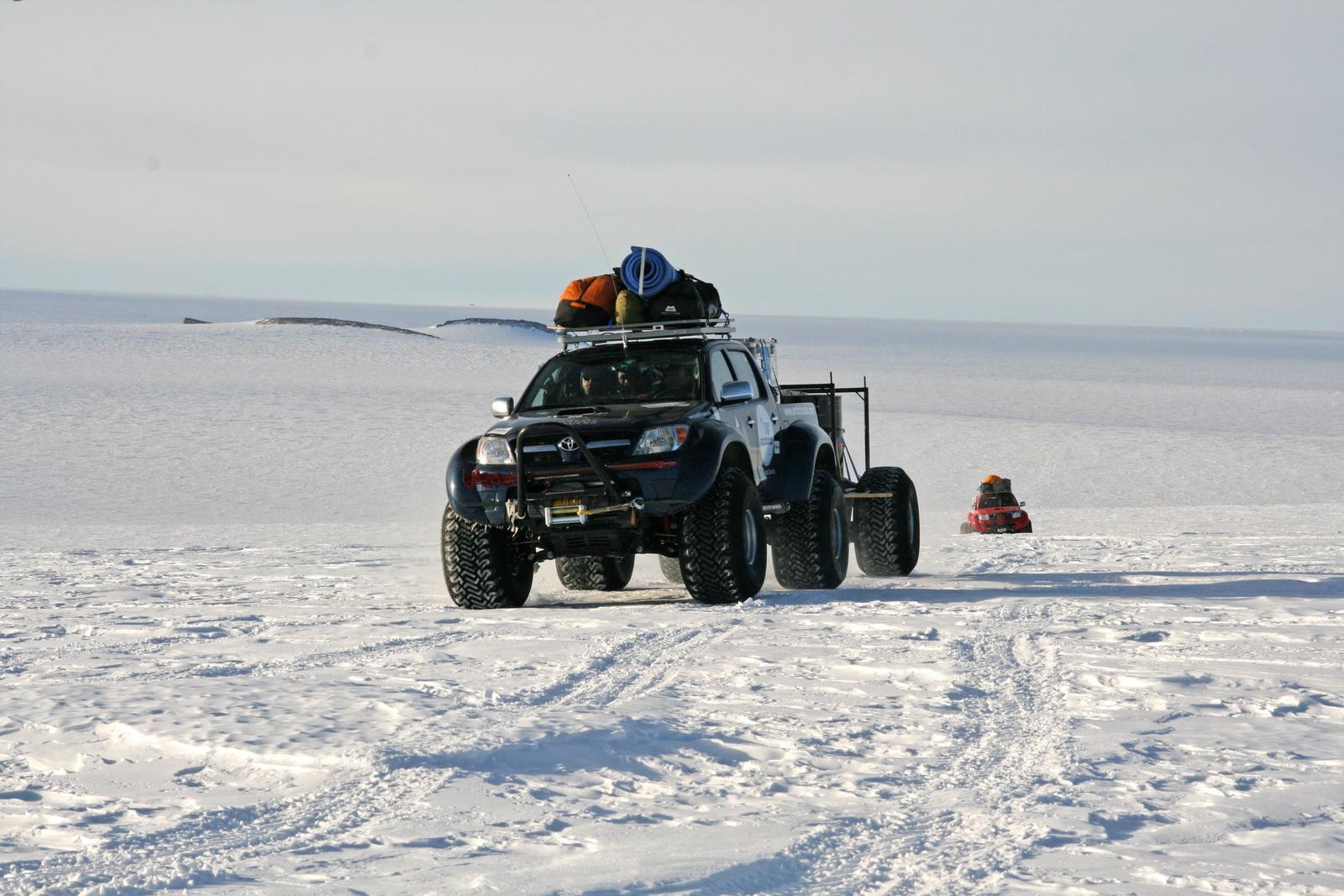 2010 Hilux South Pole 05
