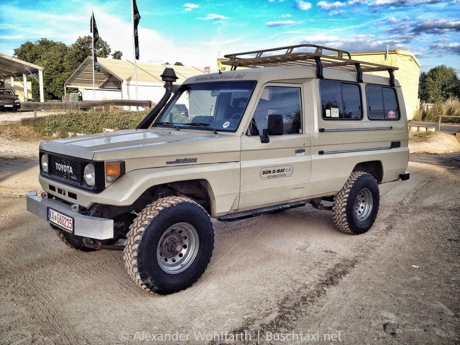 - Land Cruiser BJ75