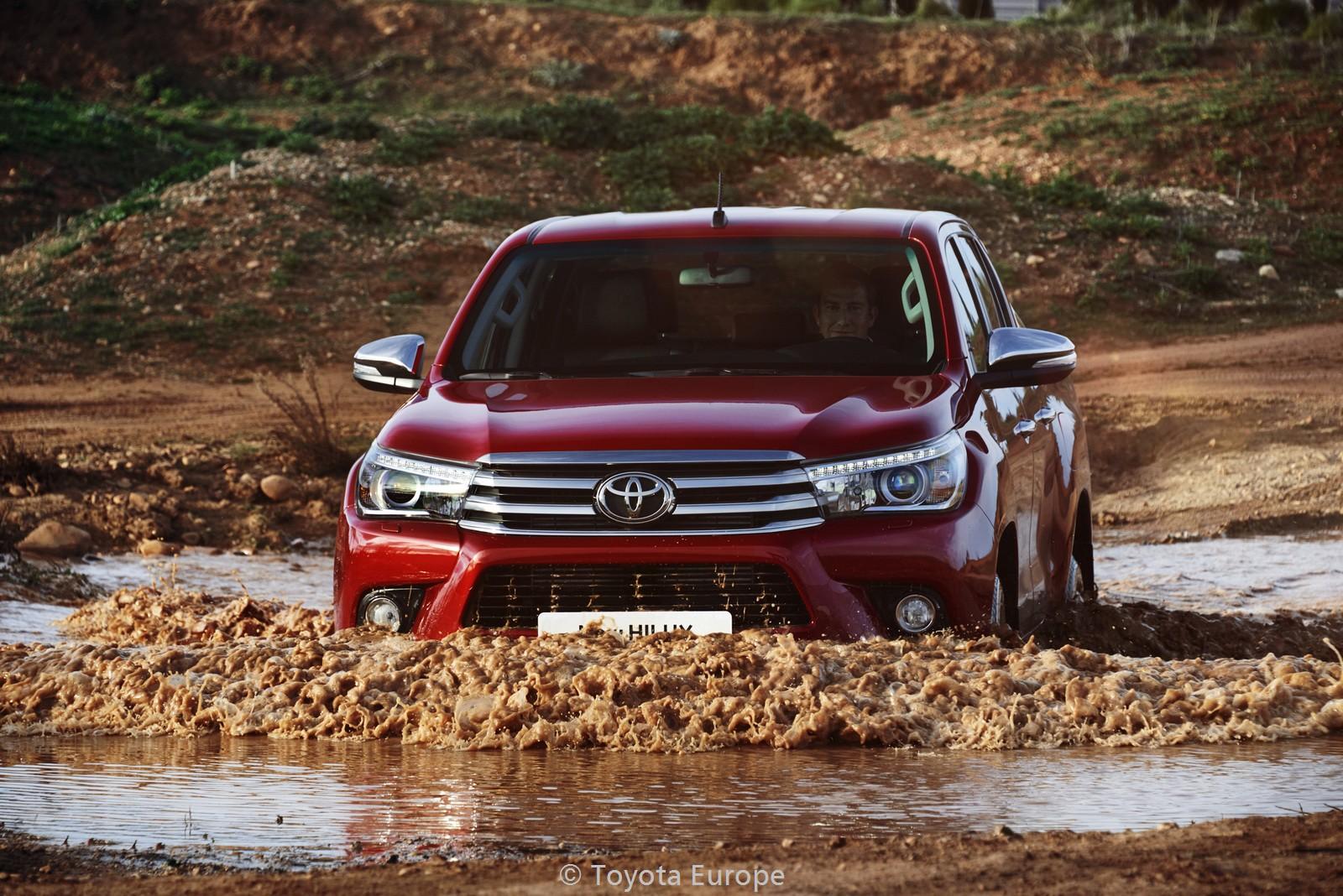 Toyota-Hilux-EU-spec-33