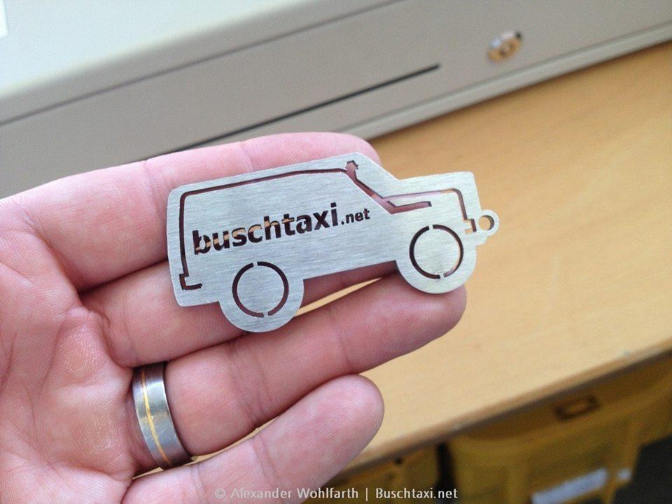 Buschtaxi-Schlüsselanhänger